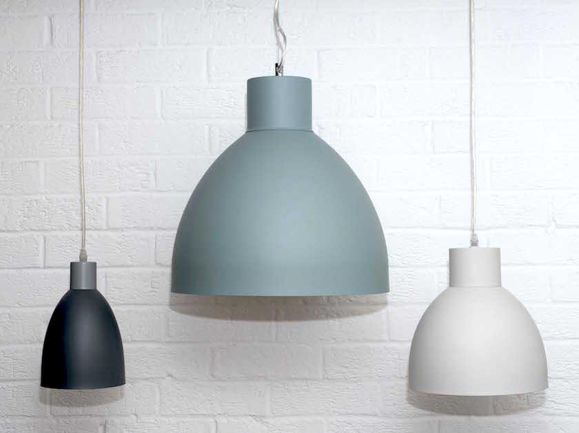 lampu gantung kontras tiga warna