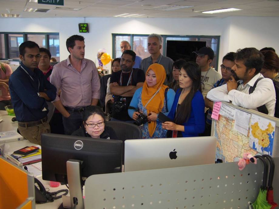 Visit to the Reuters newsroom.