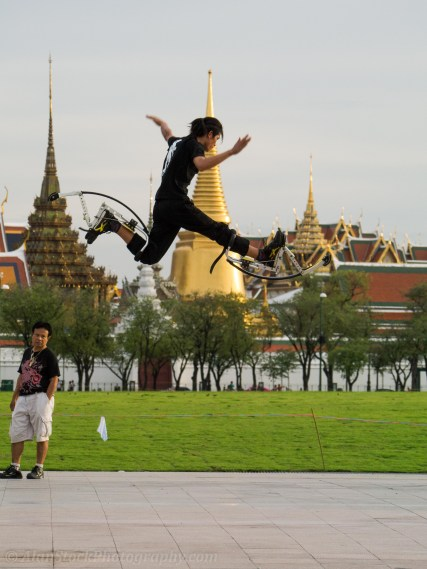 It's worth walking down to the big park in front of the Grand Palace in the late afternoon/early evening, especially on Sundays. Thai people hang out here and you can often see cool stuff like this! Who needs Tuk Tuks to get around?