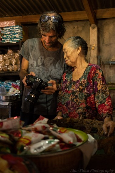 AlanStockPhotography-Bali-market-portrait-woman-old-stall-asian-smiling-Suki-photographer-travel