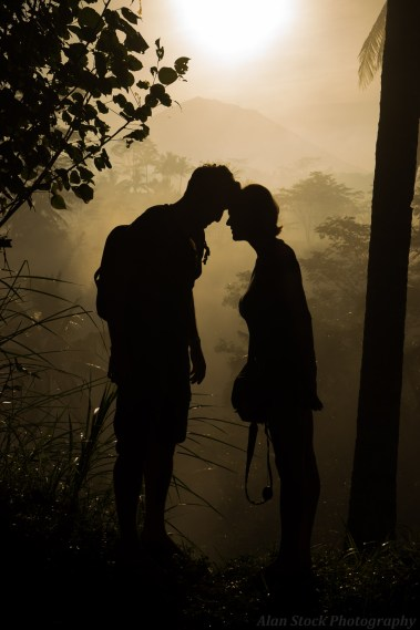 AlanStockPhotography-Bali-travel-Photography-Workshop-Sunrise-jungle-forest-silhouette-couple-travellers-love-David-Metcalf
