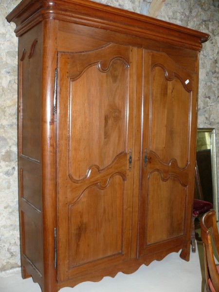 Armoire en cerisier meuble ancien albert antiquit for Antiquite meuble