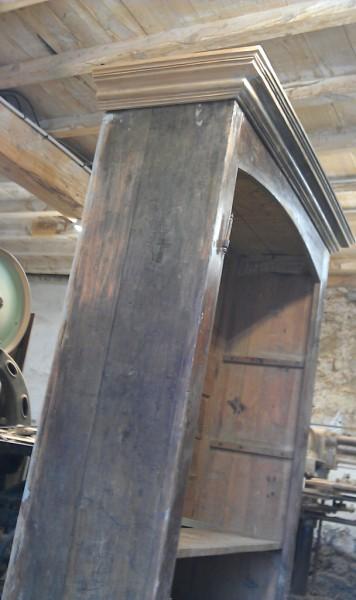 Chronologie de la restauration d un meuble ancien for Albert tremblay meuble la baie