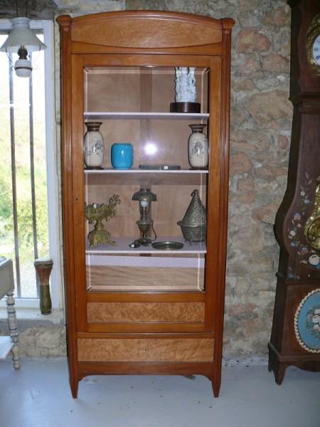 Vitrine des ann es 1930 albert antiquit for Albert tremblay meuble