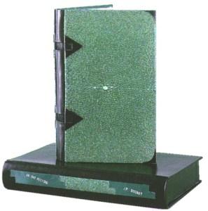 J. P. Rosnay –  Ab Imo Pectore Legatura in galuchat verde con angoli e triangoli ferma-nervi in corno nero, dorso in cuoio nero e cuciture a vista. Scatola du protezione assortita.