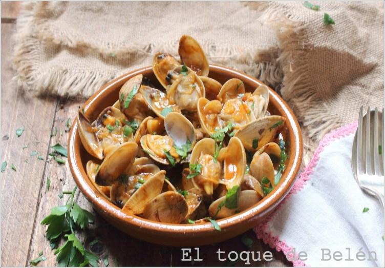 Almejas a la sidra asturiana