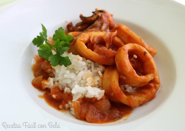 arroz con calamares en salsa de tomate - facil con bela