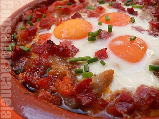 Huevos al plato con setas