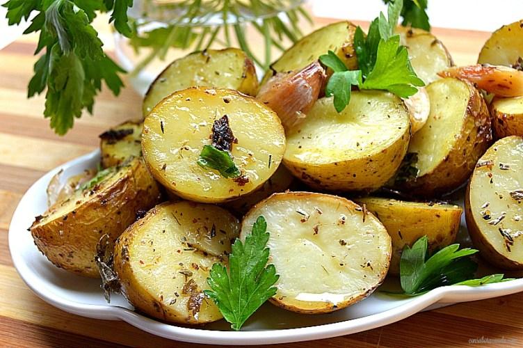 Patatas aromáticas asadas