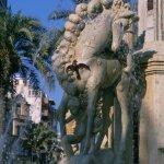 Detalle de la fuente de la plaza de los Luceros