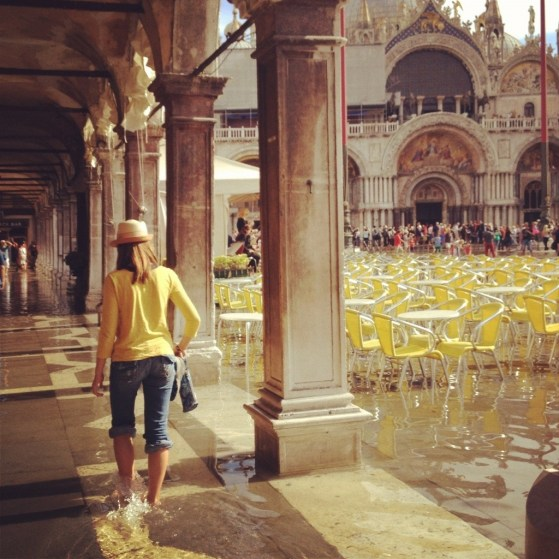 Yellow In Venice, Capture the Colour Photo Challenge