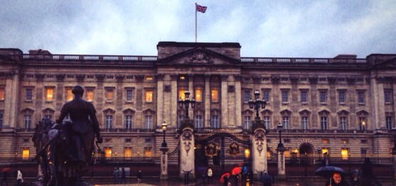 Buckingham Palace in the Rain, Snapshots of London