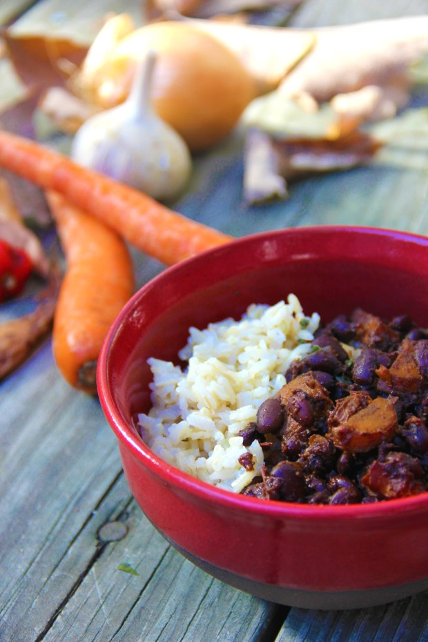 These vegan & vegetarian black beans are sweet and spicy with habaneros and molasses. - A Little Rosemary and Time