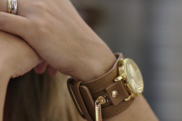 watch-397227_640