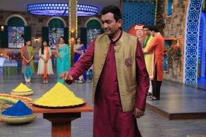 Chef Sanjeev Kapoor celebrates Holi on MasterChef India-4 set