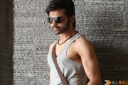 Essel Vision to kickstart a worldwide hunt for Himesh Reshammiya's 'Heeriye'