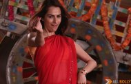 Kashmira Irani does an item song in a red saree in STAR Plus' show Dosti..Yariyaan..Manmarzian