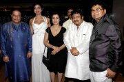 Rajkumar Santoshi,Rajpal Yadav,Neeraj Vora,Firoz Nadiadwala,Tanisha Singh,Anup Jalota,Manisha Kelkar,Shabab Sabri