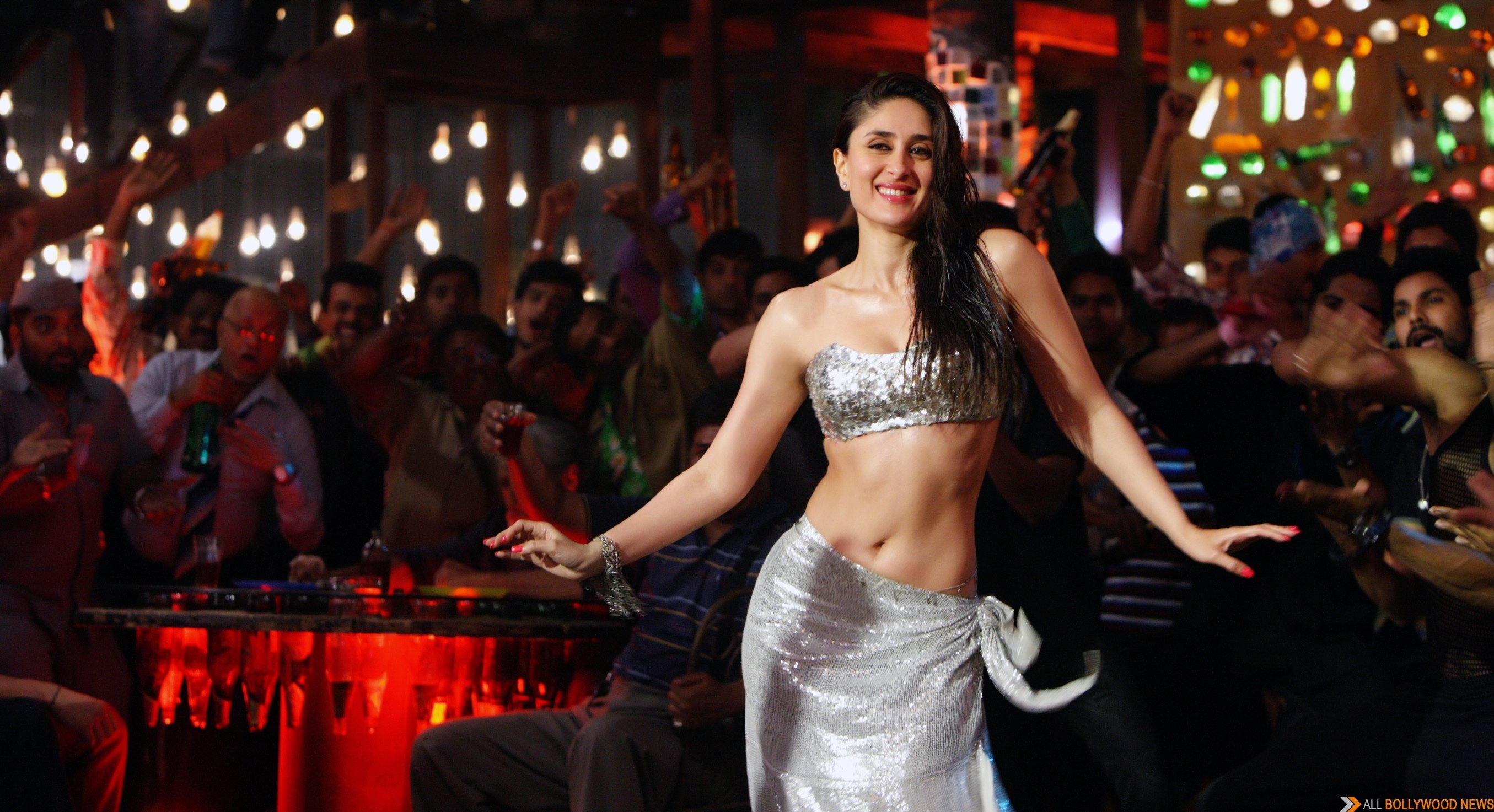 Kareena kapoor all set to come out in her sexy avatar as Mary (2)