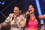 Sonakshi croons Har Kisko Nahi Milta with Neeti Mohan on Indian Idol Junior