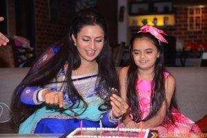 Ruhaanika Dhawan brings in her real birthday with Ishima (10)