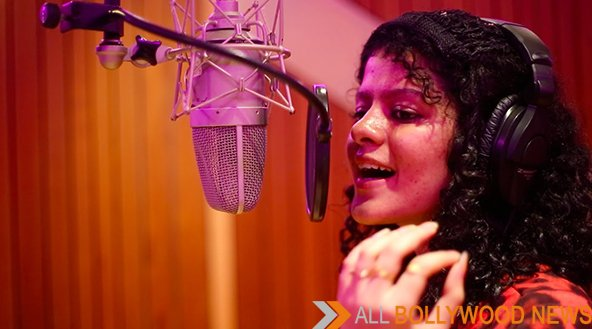 Palak Muchhal Cried Uncontrollably At Recording Studio
