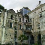 Villa Rufolo - facciata ovest. il cantiere della Torre M sullo sfondo_BASSA