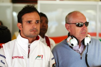 (L to R): Vitantonio Liuzzi (ITA) Force India F1 with Peter Collins (AUS). Formula One World Championship, Rd 5, Spanish Grand Prix, Practice Day, Barcelona, Spain, Friday 7 May 2010.