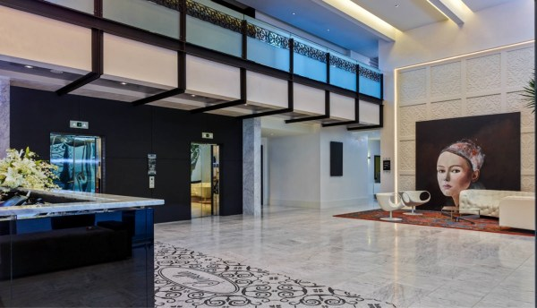 Hotel Sorella lobby (Image from HotelSorella-countryclubplaza.com)