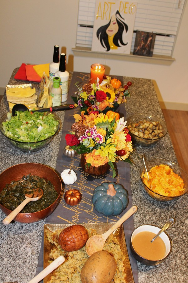 Pensgiving Serving Table (Image by LoudPen)