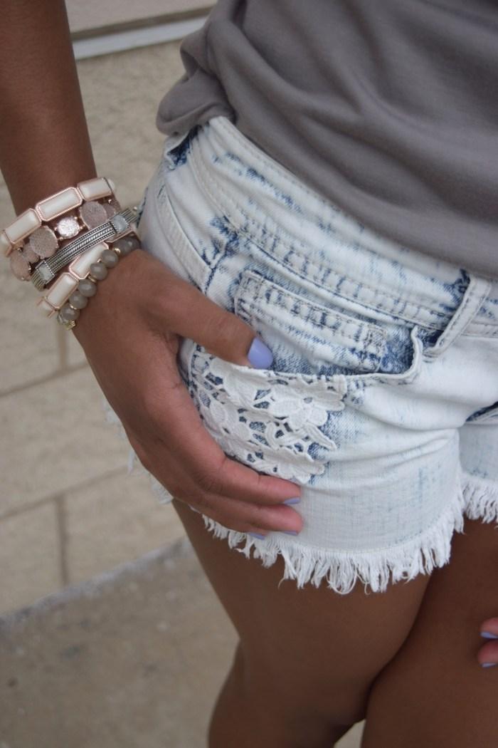 acid-wash-denim-shorts-fringe-crotchet