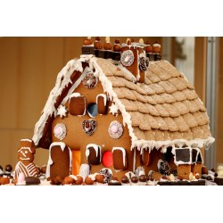 Small Crop Of Gingerbread House Decorations