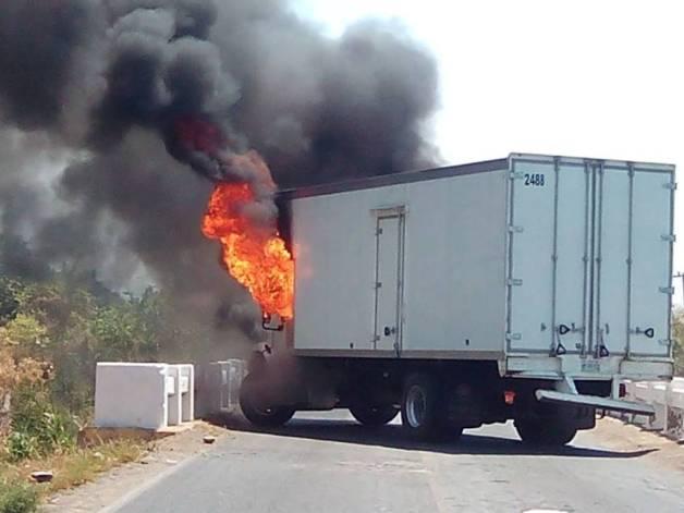 vehiculo-quemado