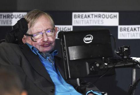 Stephen Hawking, hospitalizado en Roma. Con López Dóriga