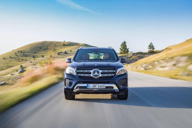 قوة الاداء والمحرك للسيارة مرسيدس جي ال اي 2017