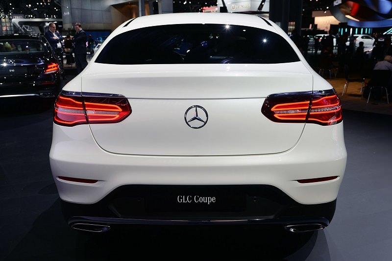 التصميم الخلفي للسيارة مرسيدس GLC كوبيه 2017