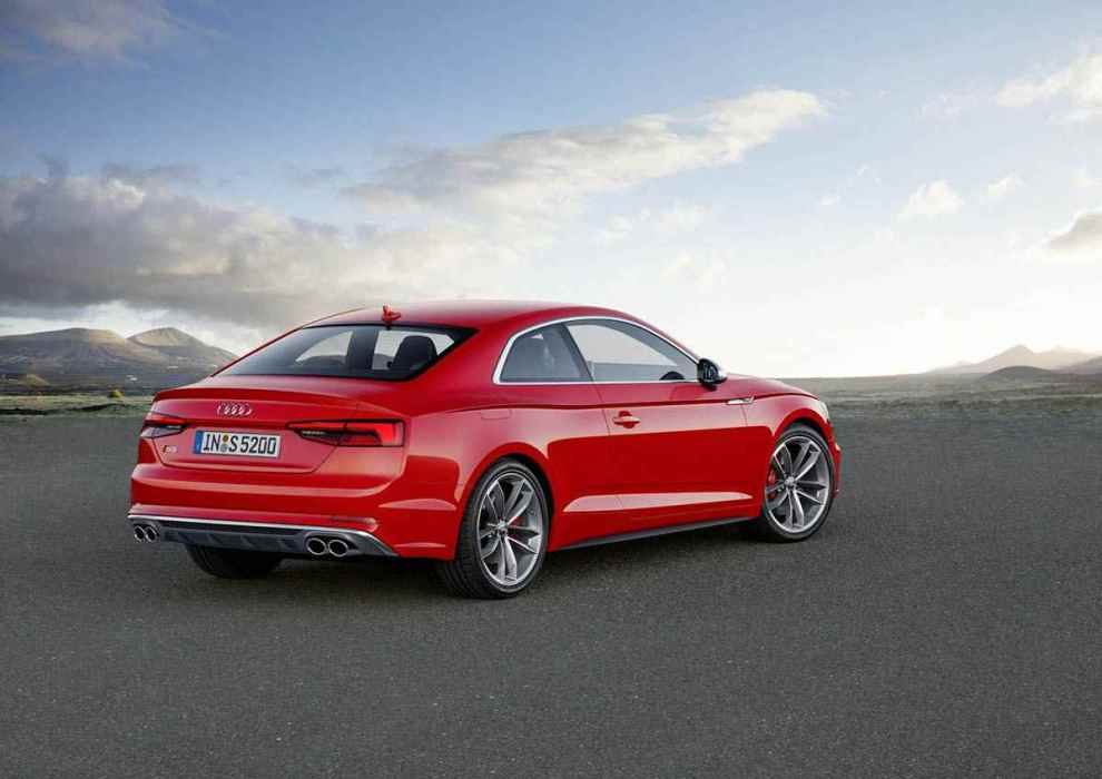 قوة المحرك والاداء للسيارة اودي S5 2017 كوبية