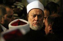 """علي جمعة: يجوز للمرأة التزين ووضع العطر """"المكتوم"""" خارج المنزل"""