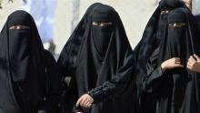 من بينهم سودانية استقطاب ثلاثة فتيات إلى تنظيم داعش  بعد ان سرقن أموالاً من العائلة واختفين
