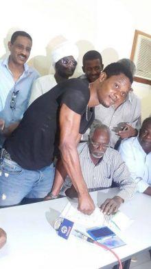أهلي شندي يفاجئ الجميع ويضم هداف القمة السابق النيجيري كلتشي