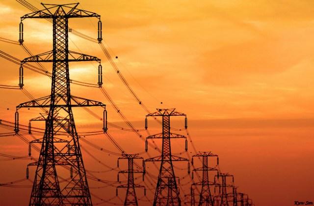 بحث الخطوات العملية لتعميم الكهرباء بولاية الخرطوم خلال الأشهر الستة القادمة