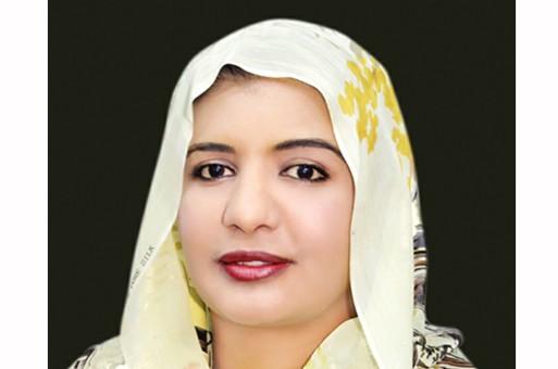 الصحفية مني عبدالفتاح