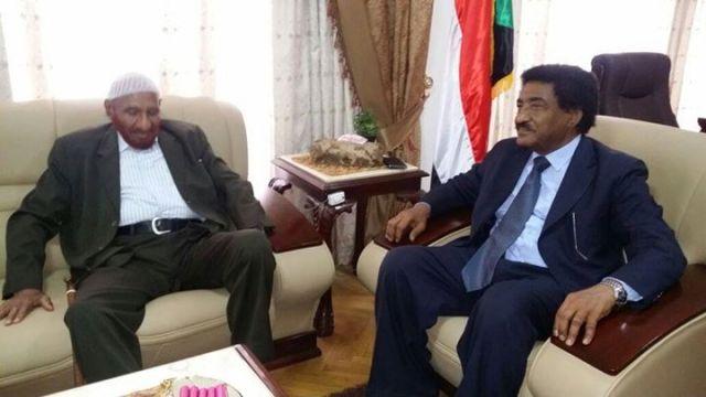 الصادق المدي وسفير السودان
