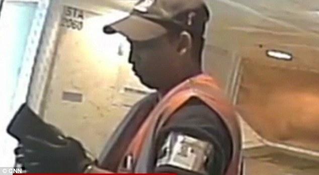 سرقة في المطار