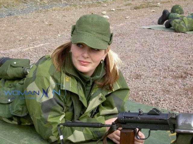 جمال وعنف نساء الجيش الأمريكي
