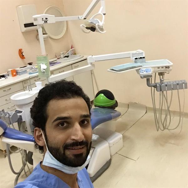 طبيب الاسنان