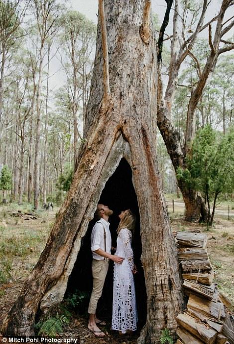 عروسان يقيمان حفل زفاف عضوي بالكامل3