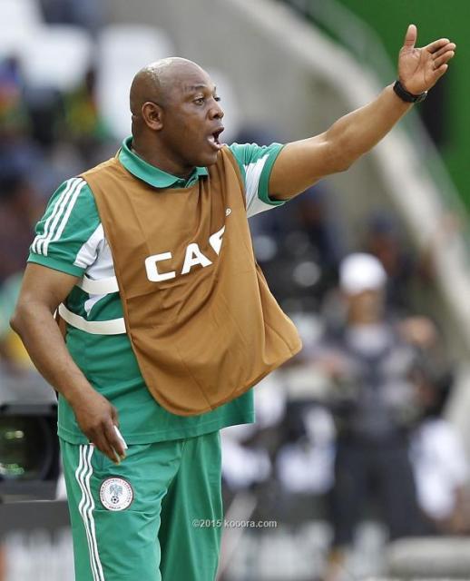 أسطورة كرة القدم النيجيرية ستيفن كيتشي يفارق الحياة بشكل مفاجئ