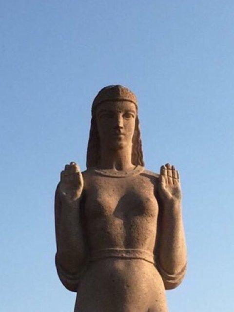 تمثال جديد لسيدة مصرية يثير سخرية نشطاء مواقع التواصل1