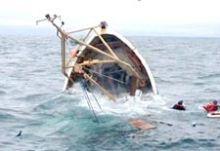 مصرع «3» أشخاص ونجاة «5» في حادث غرق مركب بالجزيرة